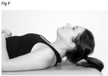 esercizio cervicale con protrusione per far passare il dolore al collo