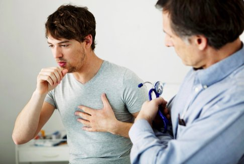 Dolore forte lombo sacrale gluteo gamba influenza