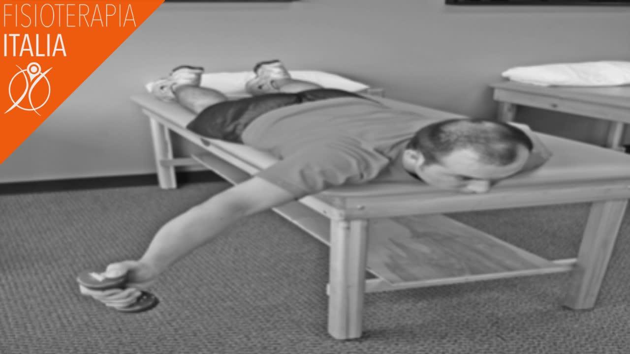 stretching scapola