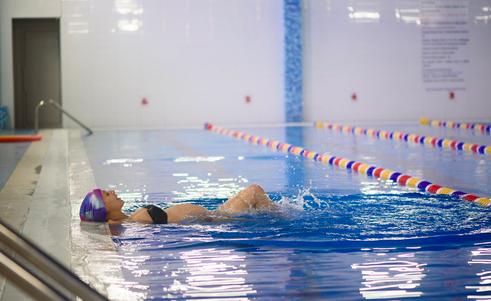 pubalgia gli esercizi in acqua aiutano anche per il travaglio